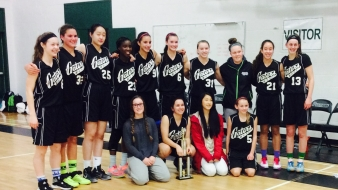 Junior Girls Basketball Team is undefeated with a 17-0 winning streak!